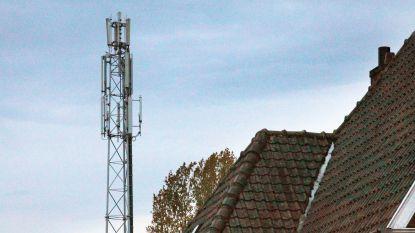 """Kortrijk protesteert tegen geplande 36 meter hoge gsm-mast nabij openluchtbad: """"Te hinderlijk"""""""