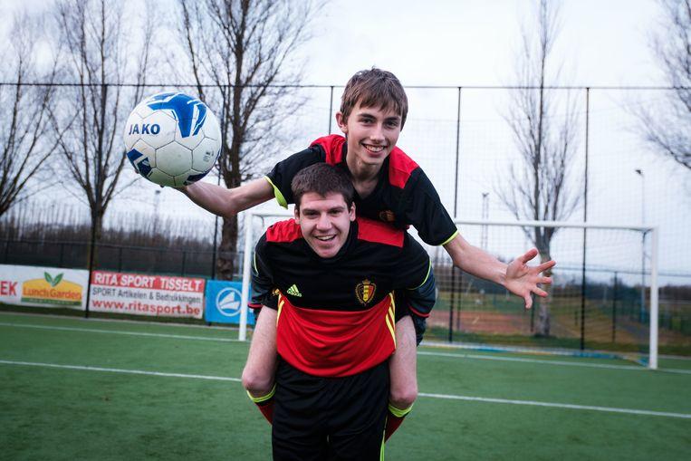 Jitse Brusten (22), onderaan, en Glenn Criel (19) van de G-ploeg van Schelle zijn geselecteerd voor de Special Devils.