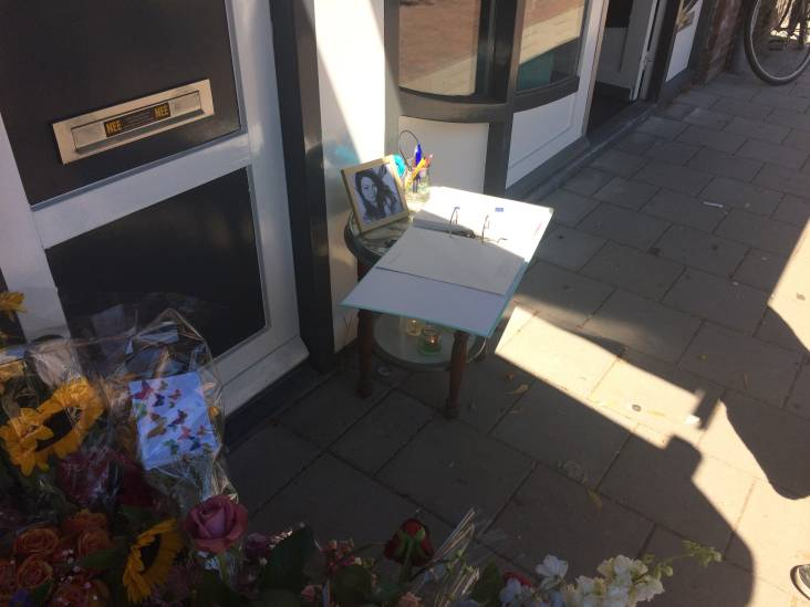 Condoleanceregister bij studentenhuis vermoorde Laura Korsman