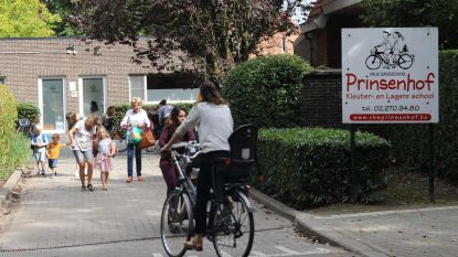 Geen kamperende ouders meer aan poorten