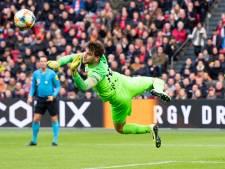 Doelman Paes is enig lichtpuntje van FC Utrecht na pijnlijke nederlaag tegen Ajax