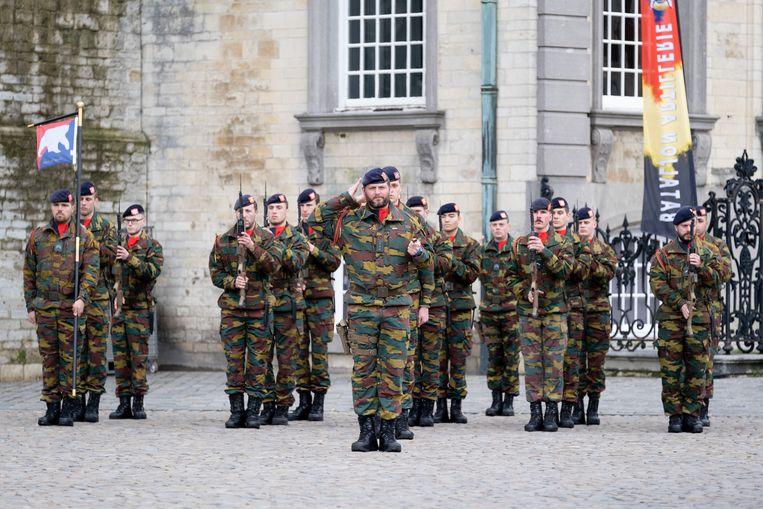 Het Bataljon Artillerie van Brasschaat werd in peterstad Lier gehuldigd voor zijn inzet in de bestrijding van terreur.