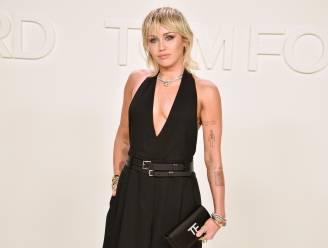 """Miley Cyrus hervallen in drank- en drugsverslaving tijdens lockdown: """"Ik ben nu twee weken nuchter"""""""