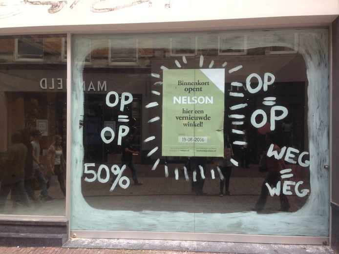 De toekomstige schoenenwinkel van Nelson.