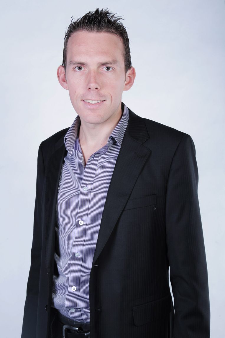 Nicholas Lataire