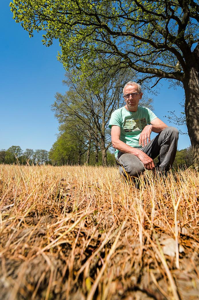 Biologische varkensboer Jan Overesch ergert zich aan het gebruik van Roundup.