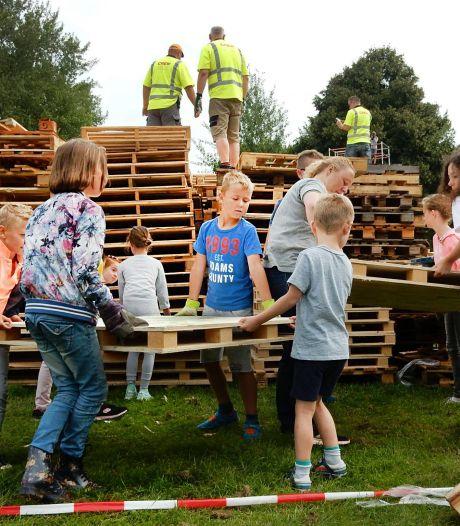 Na maandenlang getouwtrek is het gelukt: tóch hutten bouwen bij Huttendorp Schollevaar