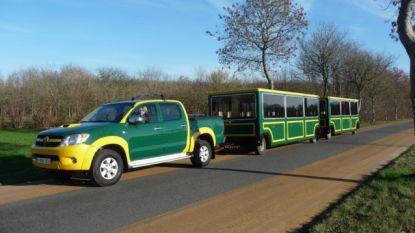 Pasar Deinze trekt met jeep-trein door fusiestad