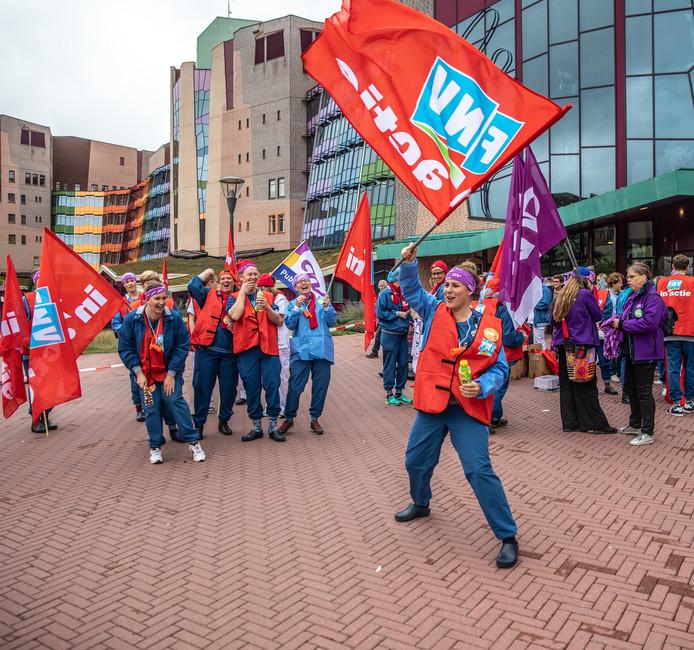 Protesten bij de Isala Ziekenhuizen in Zwolle