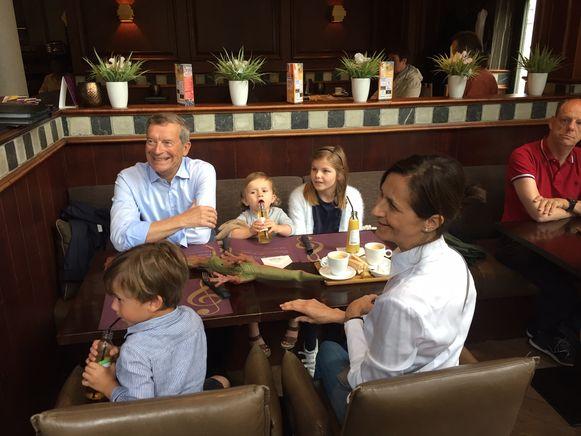 Sauwens geniet nog even van de rust, samen met zijn echtgenote en drie van zijn kleinkinderen.