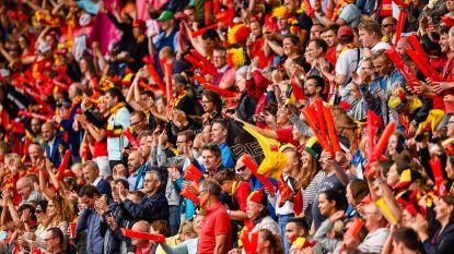 UEFA probeert zwarte markt aan banden te leggen: miljoen EK-tickets via telefoon verzonden naar fans