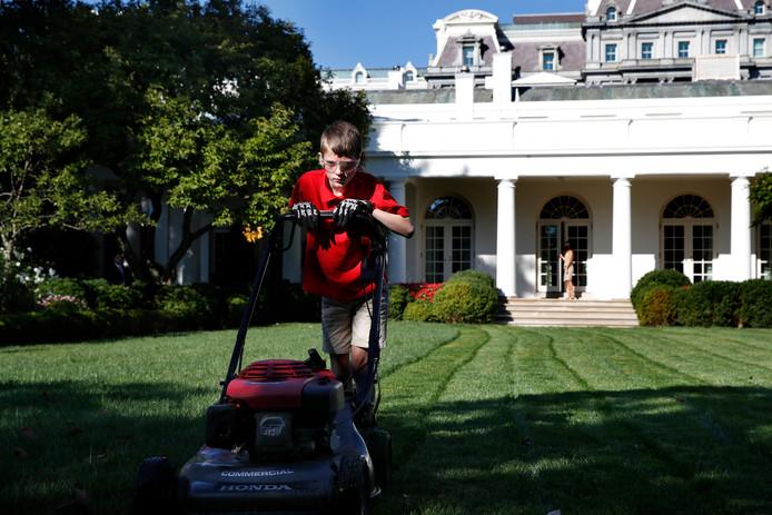 Frank Giaccio aan het werk in de tuin van het Witte Huis. Foto Jacquelyn Martin/AP