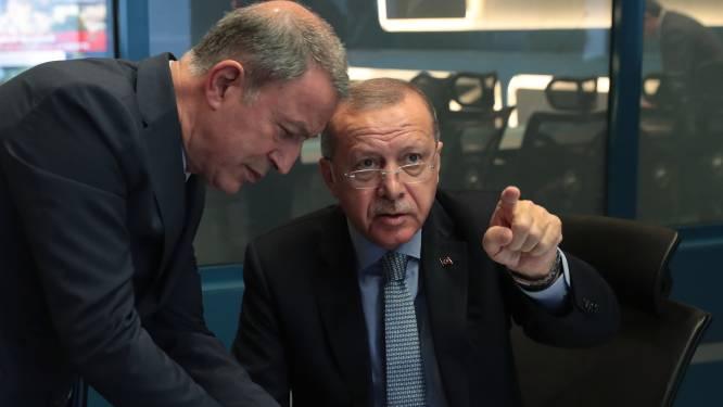 Turkse gevechtsvliegtuigen bombarderen Koerden in Irak