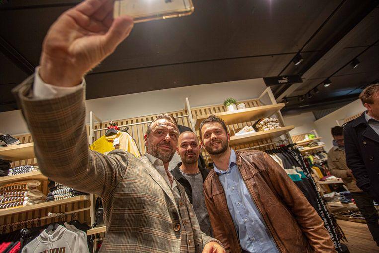 Tom Waes poseerde met plezier voor de vele selfies.