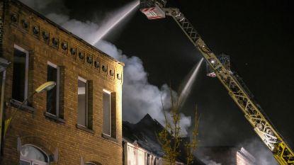 Mogelijk asbest vrijgekomen bij zware brand in Vilvoorde-centrum