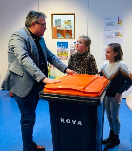 Bernardusschool in Saasveld heeft nieuwe aanwinst: container voor het plastic