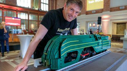 Legotreinen houden halt in Train World