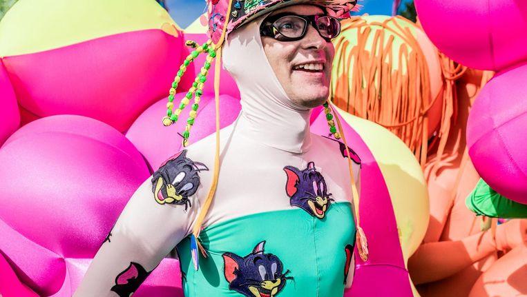 Op Milkshake kun je je gekste outfit aan, hoe meer kleur hoe beter Beeld -