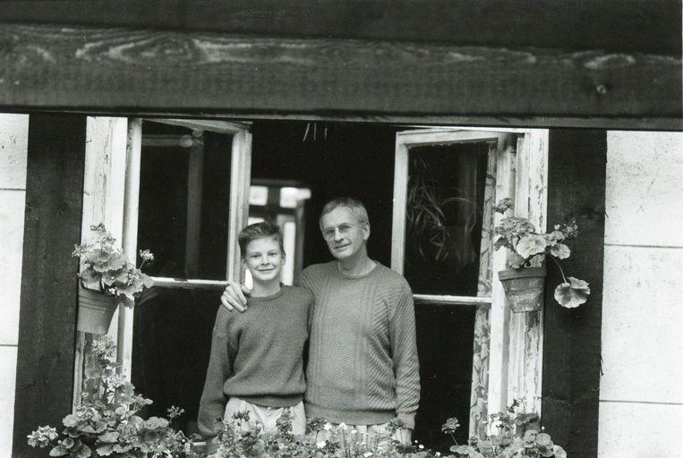 Met documentairemaker Johan van der Keuken, zijn vader. Beeld  Van der Keuken