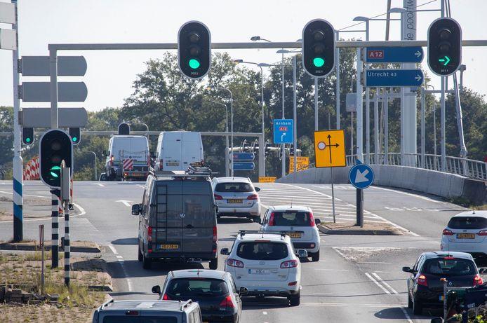 Wie vanuit Ede naar Arnhem wil, moet nu rechtse in plaats van linksaf slaan.