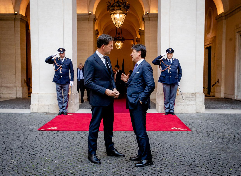 Premier Rutte en zijn Italiaanse collega Giuseppe Conte in Rome, in januari van dit jaar. Beeld ANP
