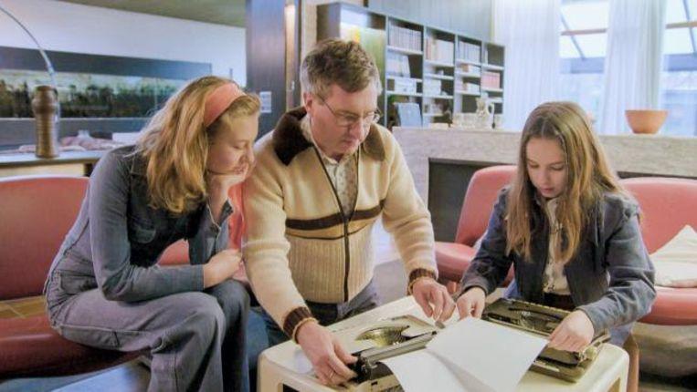 Anna, Jan en Madelief (her)ontdekken de typemachine