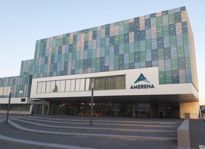 Zwem- en sportcomplex Amerena aan de Hogeweg