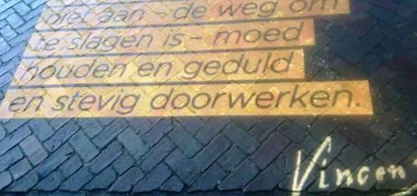 Briefcitaat Vincent van Gogh te lezen op naar hem vernoemde straat in Nijverdal