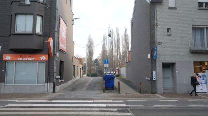 Toegang parking Rietput in Driekerkenstraat dicht