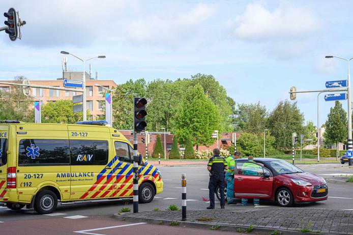 Twee lichtgewonden bij botsing op Ettensebaan in Breda