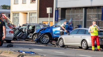 """""""Als aasgieren met de smartphone tussen de wrakken"""": agent hekelt gedrag van 'kijklustigen' bij zware crash in Houthalen"""