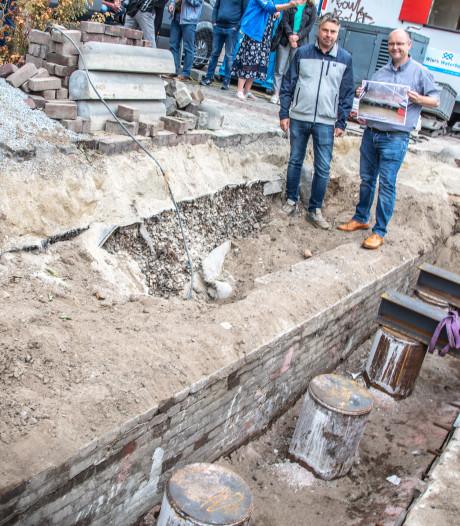 Eeuwenoude kademuur gevonden bij werkzaamheden Zwolse stadsgracht