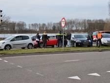 Kettingbotsing met vier auto's in Breda: geen gewonden en de schade valt mee