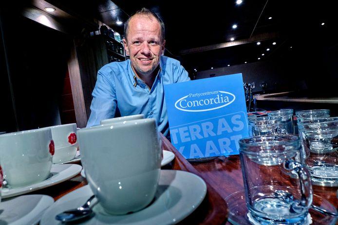 John Kraijo hoopt op toeloop in partycentrum Concordia in 's-Gravendeel.