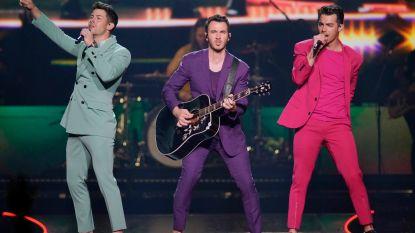 Vriend van Jonas Brothers hackt hun account en daar kunnen de broers niet om lachen