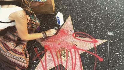 Dochter Michael Jackson schrobt bekladde Walk of Fame-ster schoon