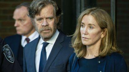 Felicity Huffman gespot in gevangenisplunje tijdens bezoek van echtgenoot