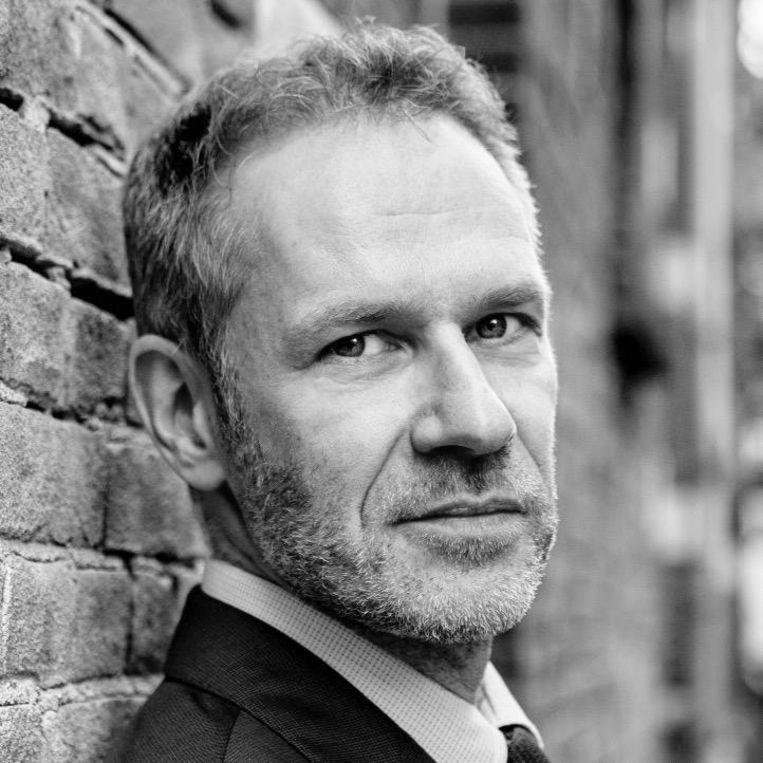 Arthur Umbgrove, schrijver en voorzitter van comedyclub en -collectief Comedytrain/Toomler. Beeld