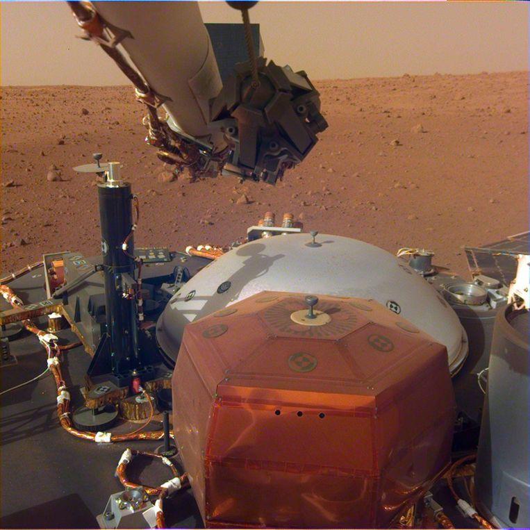 De Marslander InSight landde op maandag 27 november op Mars na een lange reis van bijna zeven maanden.