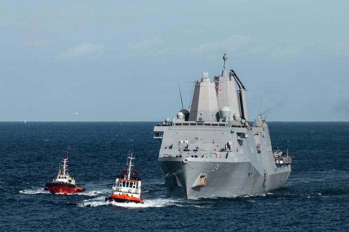 De USS Arlington.