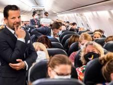 Jerry wilde die twee maskerloze jongens in het vliegtuig eens flink de les te lezen (maar deed het niet)