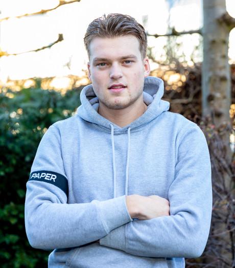 Opnieuw tegenslag voor SC Woerden-speler Jesper Kleiweg: wedstrijd eindigt in ambulance