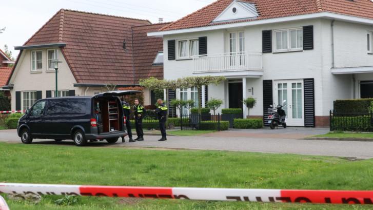 Politie in Enschede op zoek naar overvaller