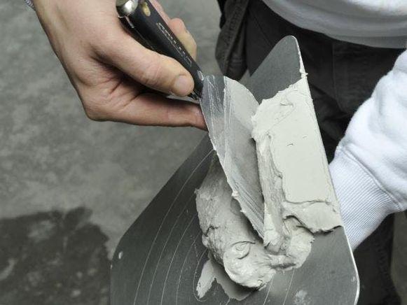 Controleer bij een renovatieproject altijd of het pleisterwerk nog in goede conditie verkeert.