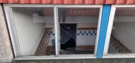 Zwolse voetbalclub WVF is ondanks 'corona-verbod' zwaar de dupe: talloze vernielingen op sportpark