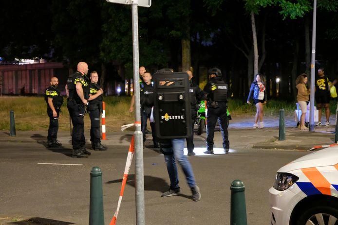 Nadat de onlusten in het Roel Langerakpark ten einde waren, had menig agent een Hoek van Holland-gevoel.