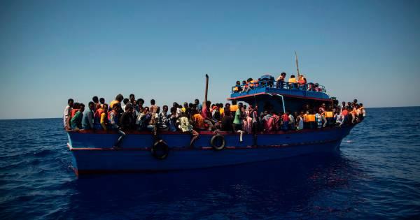 AzG staakt tijdelijk met helpen bootvluchtelingen