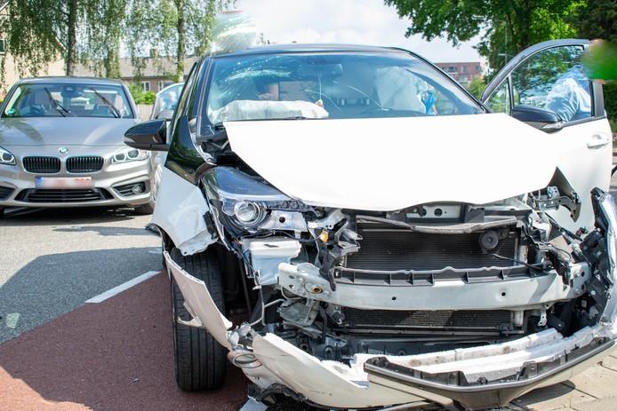 De schade na het ongeluk in Goirle.