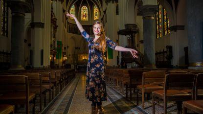"""Astrid Stockman (32), sopraan met een missie: """"Wij zijn jonge, toffe mensen, die in 2019 leven. Ook wij willen de laatste nieuwe Nikes"""""""