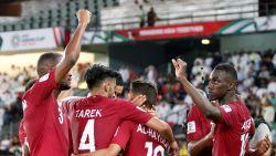 Qatar klopt Saoedi-Arabië voor groepswinst op Asian Cup, Libanon mist achtste finales door gele kaart